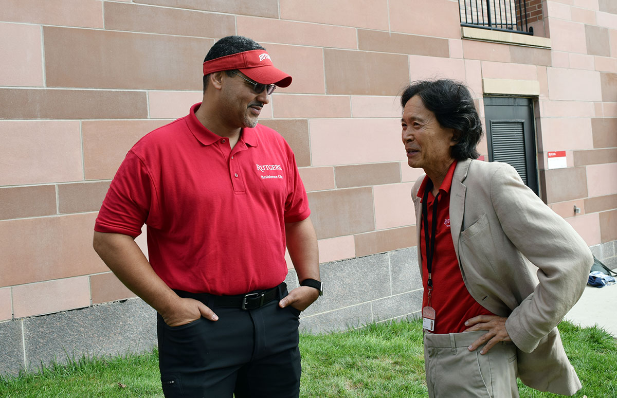 Vice Chancellor Mena with Dean Matsuda during the Move In Day.